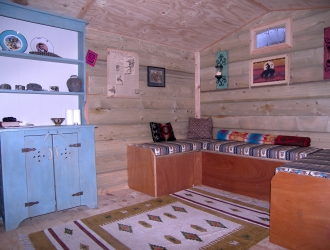 Red Shepherd Hut inside living area