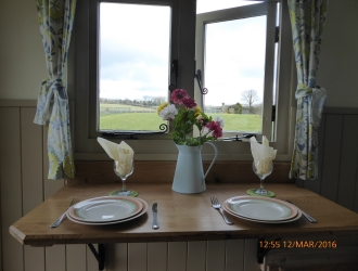 Shepherd Hut Interior 1 (3)