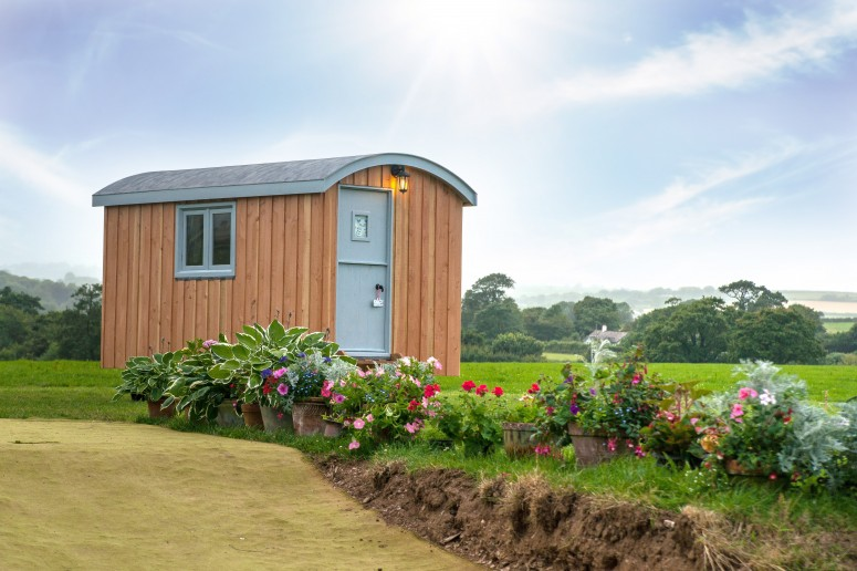 Shepherd huts available to hire in Devon & Cornwall